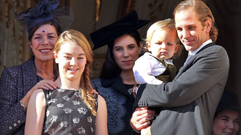 Carolina de Mónaco junto a su hija Alexandra Hannover, su hijo Andrea Casiraghi (con el pequeño Raphaël en brazos) y su nuera Tatiana Santo Domingo (Gtres)