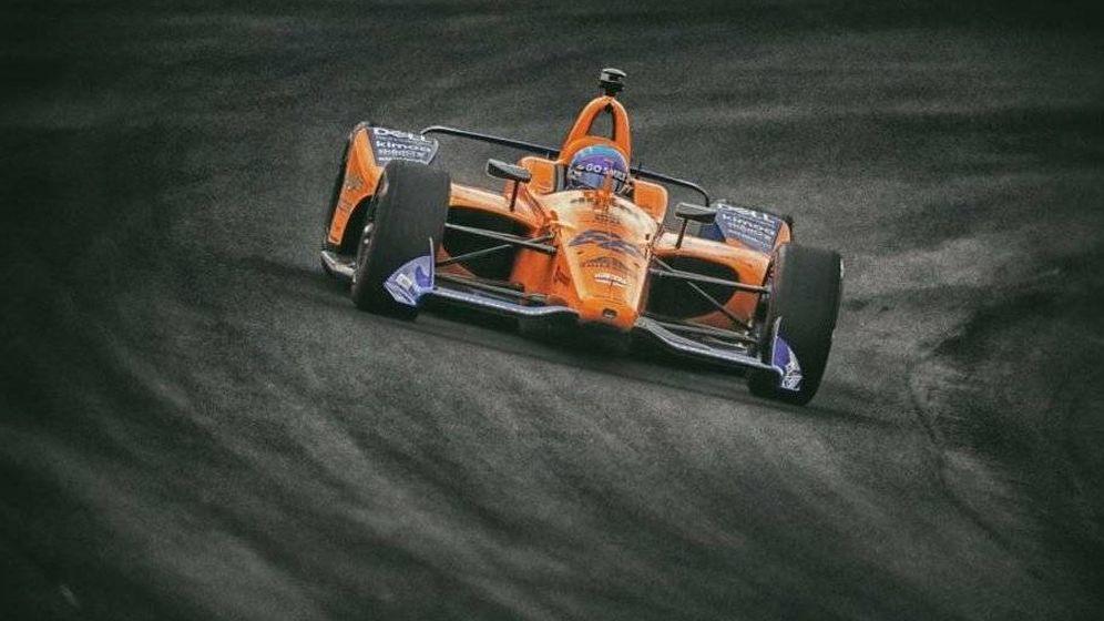 Foto: Fernando Alonso tendrá que demorar un año más su asalto a la triple corona. (McLaren)