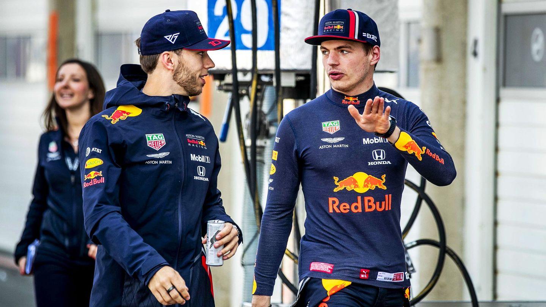 Pierre Gasly junto a Max Verstappen. (EFE)