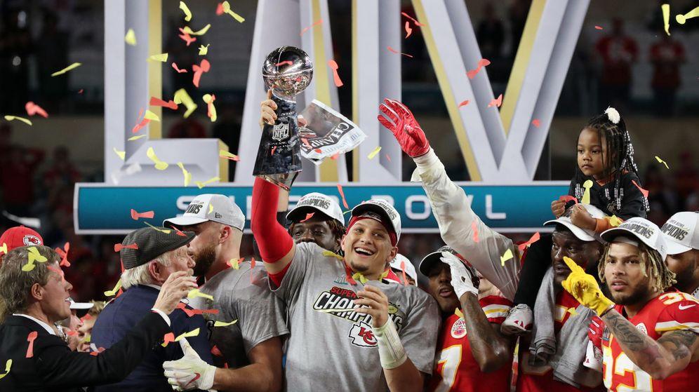 Foto: Patrick Mahomes celebra el título de campeón de la Super Bowl. (Reuters)