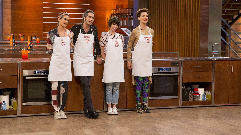 Los cuatro concursantes en la final de 'MasterChef Celebrity'. (TVE)