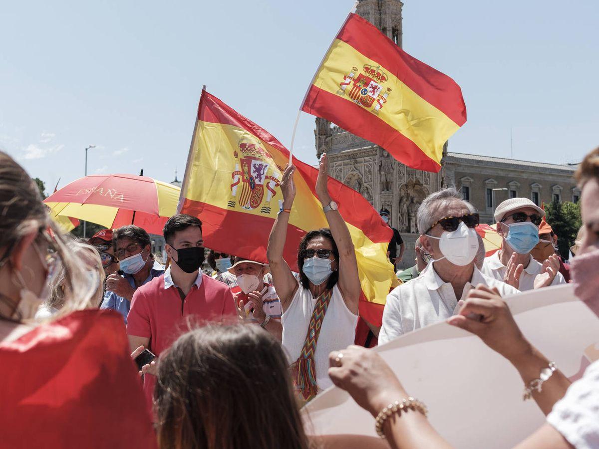 Foto: Manifestación en Colón contra los indultos a los presos del 'procés'. (Sergio Beleña)