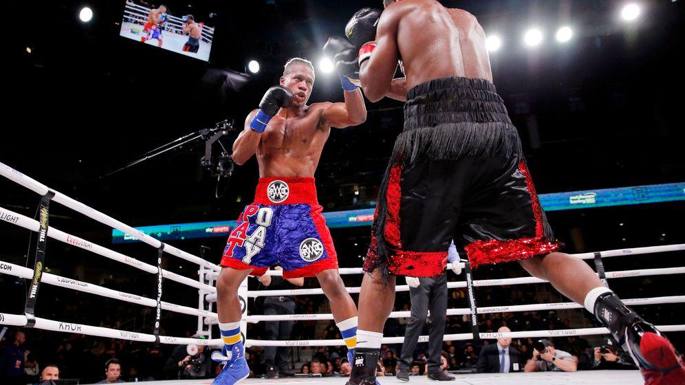 Foto: Charles Conwell y Patrick Day durante una pelea en el Wintrust Arena (Reuters)