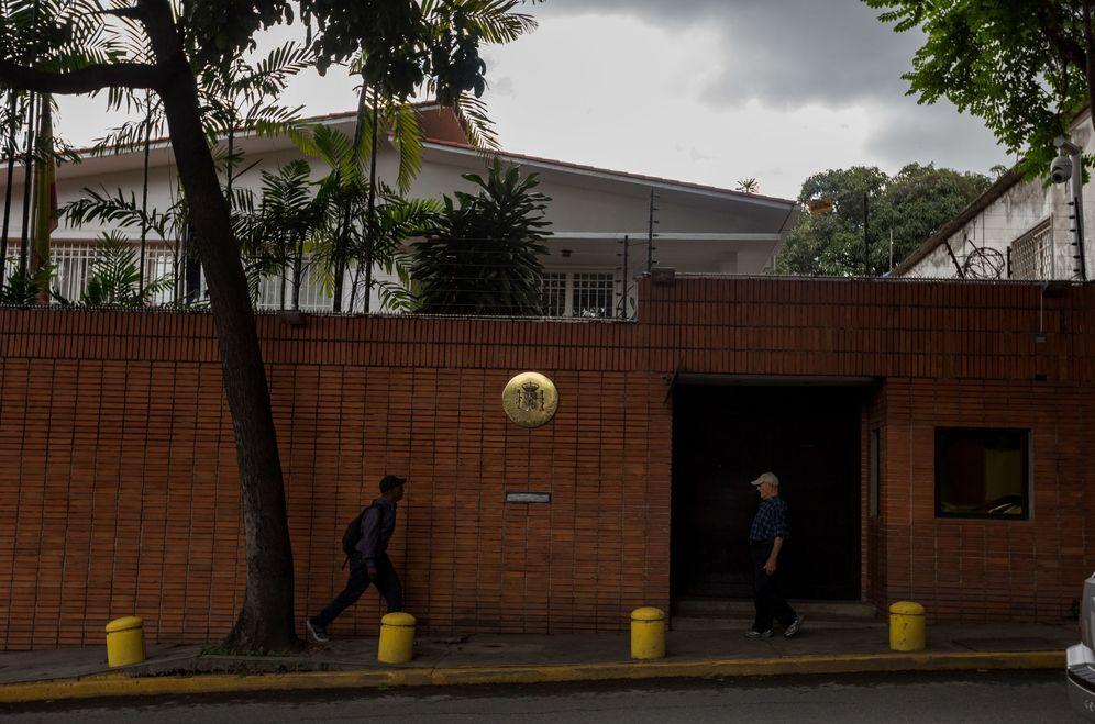 Foto: Fachada de sede de la Embajada de España en Venezuela. (EFE)