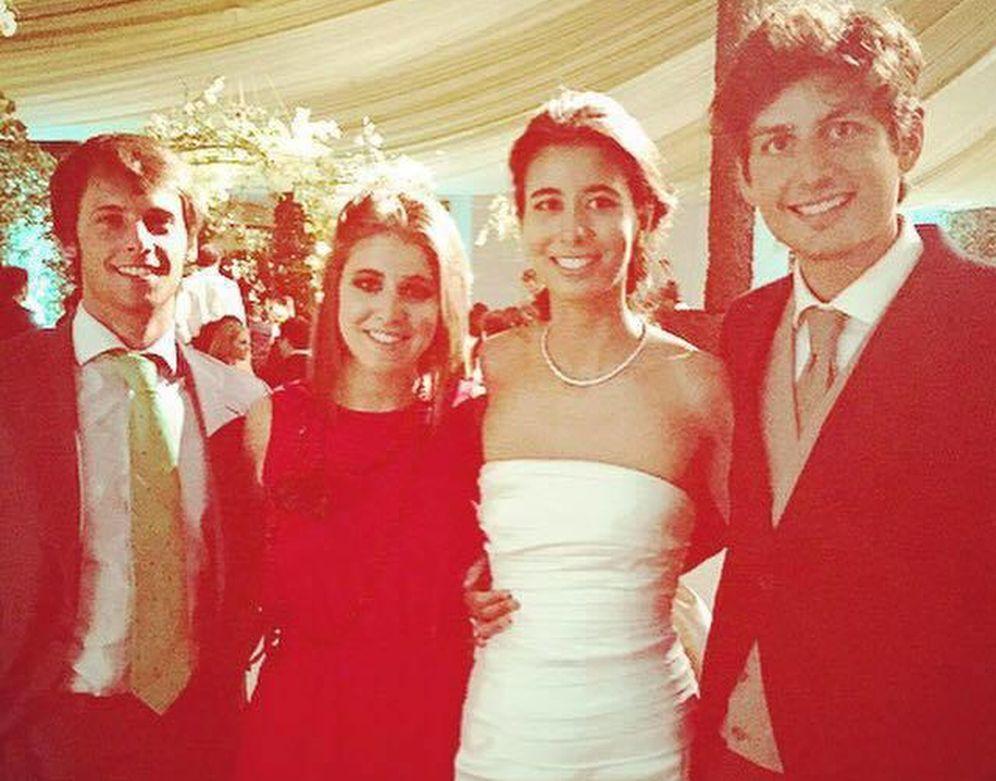 Foto: Los novios en la boda de Cantabria