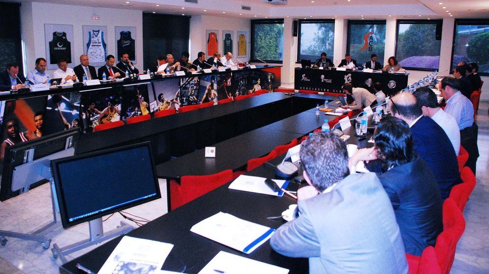 Foto: Imagen de la Asamblea de la ACB celebrada este viernes en Barcelona (ACB Photo)