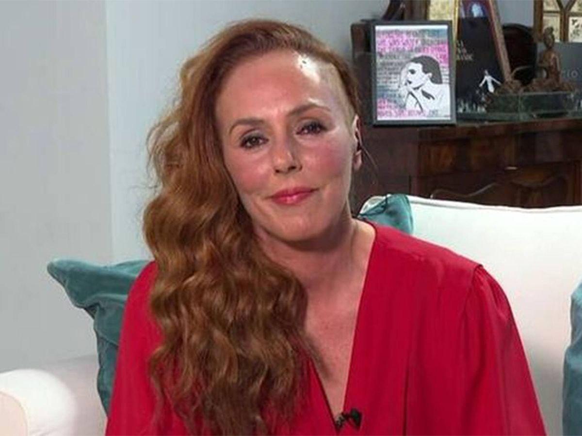 Foto: Rocío Carrasco, en su intervención en directo. (Telecinco)