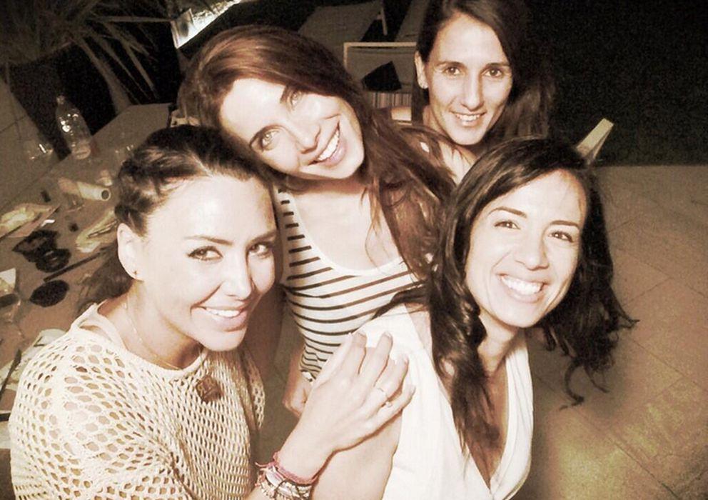 Foto: Vania Millán, Pilar Rubio y amigas de cena (Twitter)