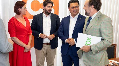PP, Cs y Vox dan un paso más para desbloquear la gobernabilidad en Murcia