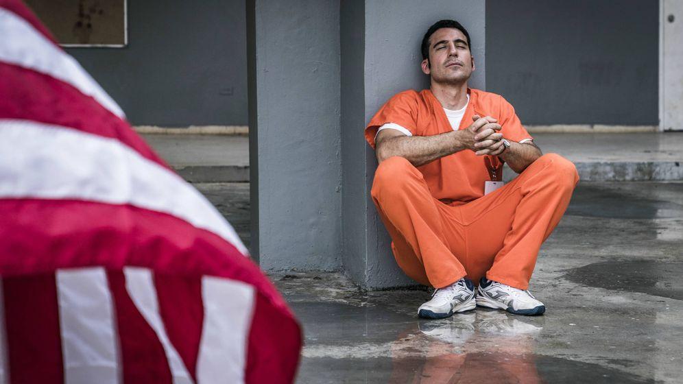 Foto: Miguel Ángel Silvestre es Pablo Ibar en la miniserie 'En el corredor de la muerte'. (D.L.Calvin/Movistar )