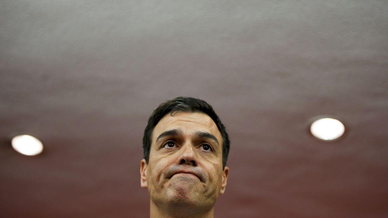 Foto: Pedro Sánchez, durante su breve comparecencia en la noche electoral del 26-J en Ferraz. (Reuters)