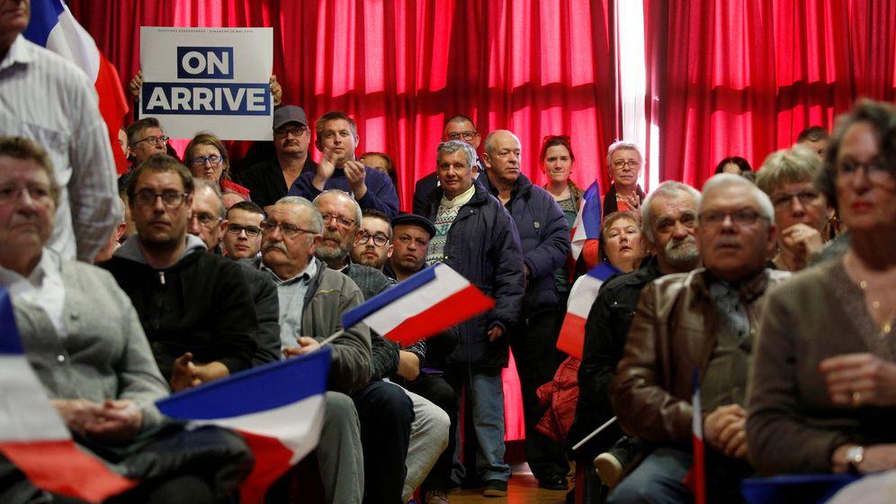 Foto: Votantes de Le Pen durante un mitin en Saint-Paul-du-Bois, Francia. (Reuters)