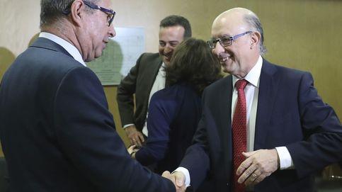 Montoro rompe la unión del nuevo PSOE: Extremadura se abstiene al reparto del déficit