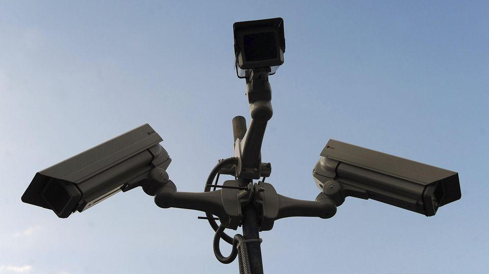 Foto: Sistema de videoseguridad ubicado en un espacio público. (EFE)