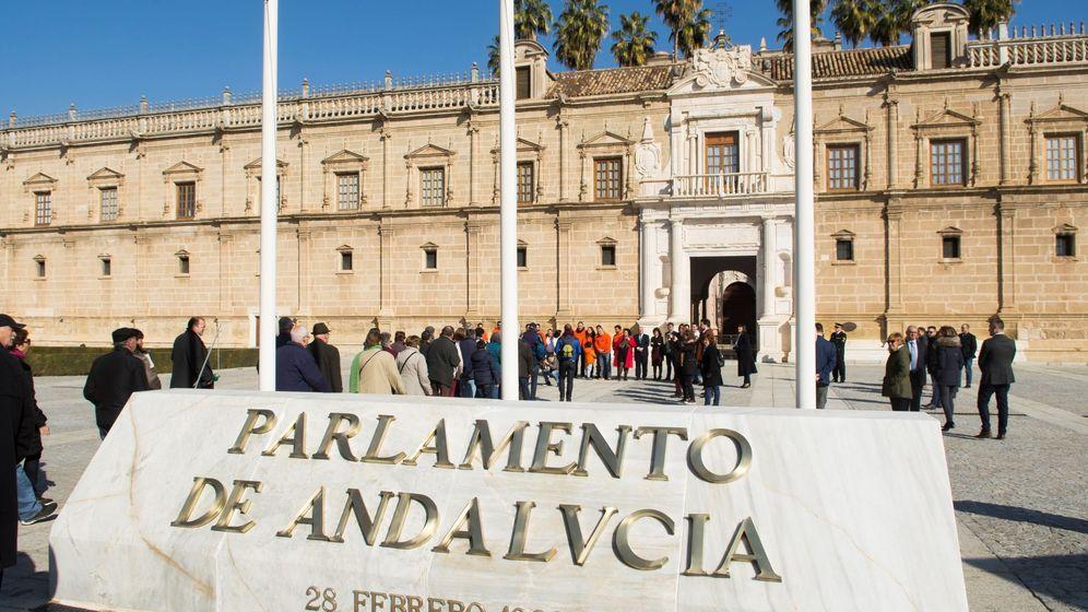 Foto: Jornada de puertas abiertas en el Parlamento andaluz | EFE