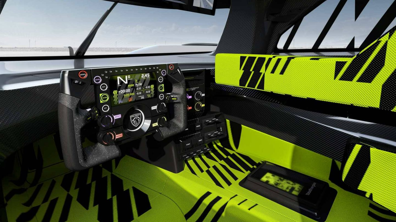 Interior del prototipo 9X8 con colores muy llamativos.