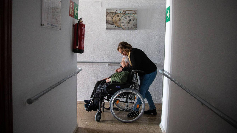 El desahucio de Marina: la anciana de 86 años que no puede pagar la residencia