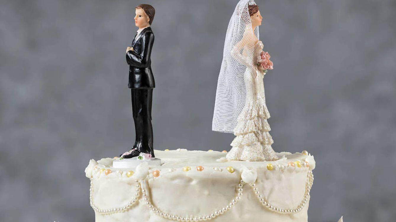 En caso de divorcio, si compro la parte de la casa a mi ex, ¿qué impuestos debo pagar?