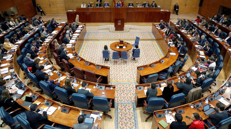 Vista general del pleno de la Asamblea de Madrid. (EFE)