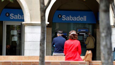 Sabadell reabre un mercado clave para la banca: la venta de carteras tóxicas