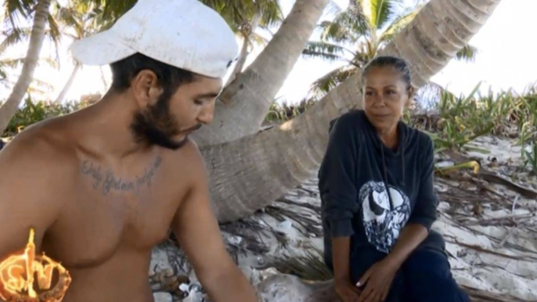 Omar Montes e Isabel Pantoja, en 'Supervivientes 2019'. (Telecinco)