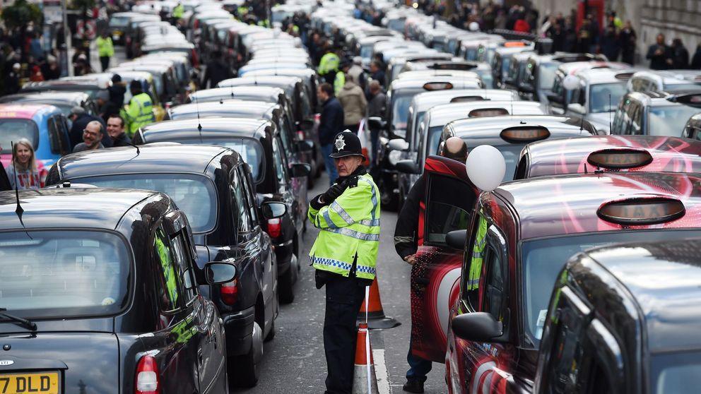 El gobierno británico adelanta a 2035 su veto a los coches diésel y de gasolina