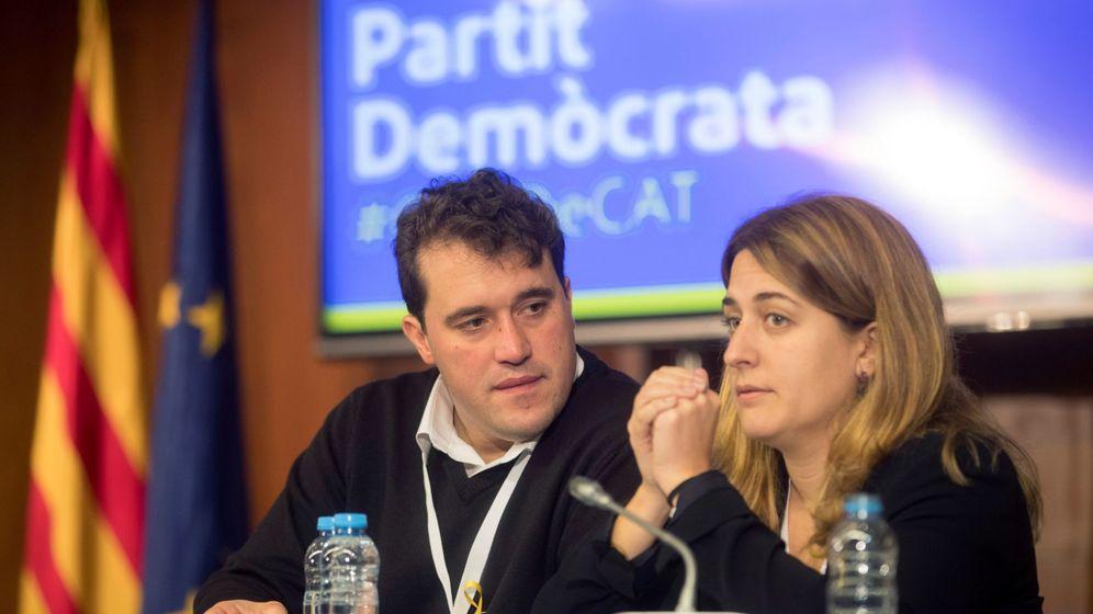 Foto: David Bonvehí y Marta Pascal, del PDeCAT, durante el Consejo Nacional del PDeCat. (EFE)