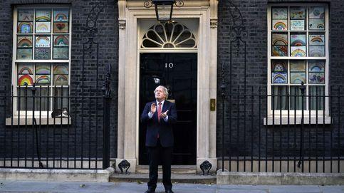Boris ya no esquiva balas: pierde el control y la confianza del país por el coronavirus