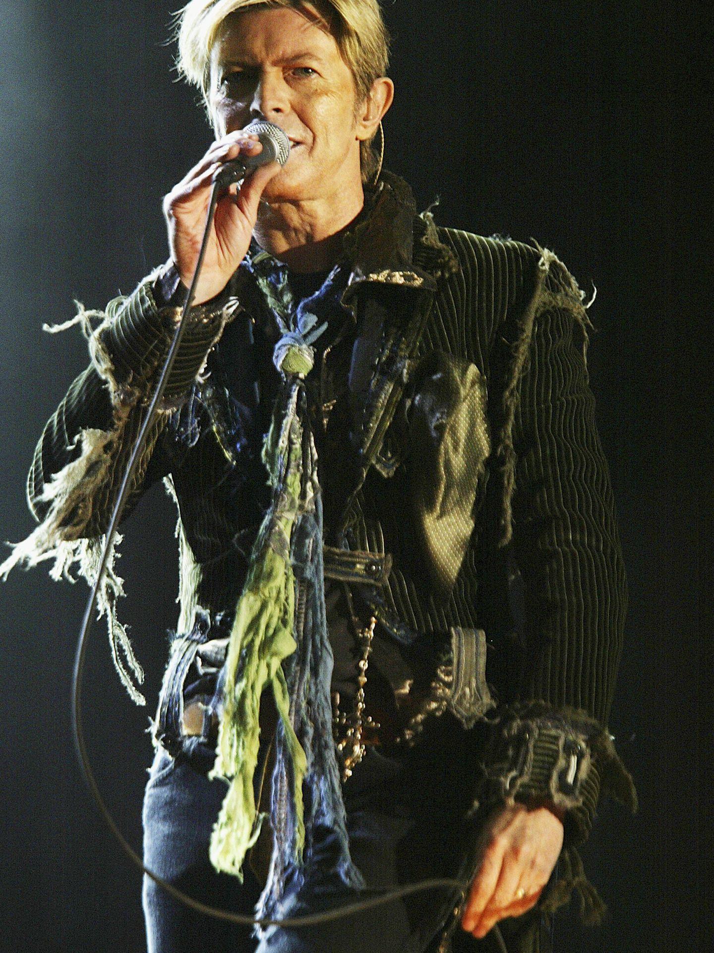 David Bowie en un concierto en el año 2004 (Foto de Jo Hale/Getty Images).