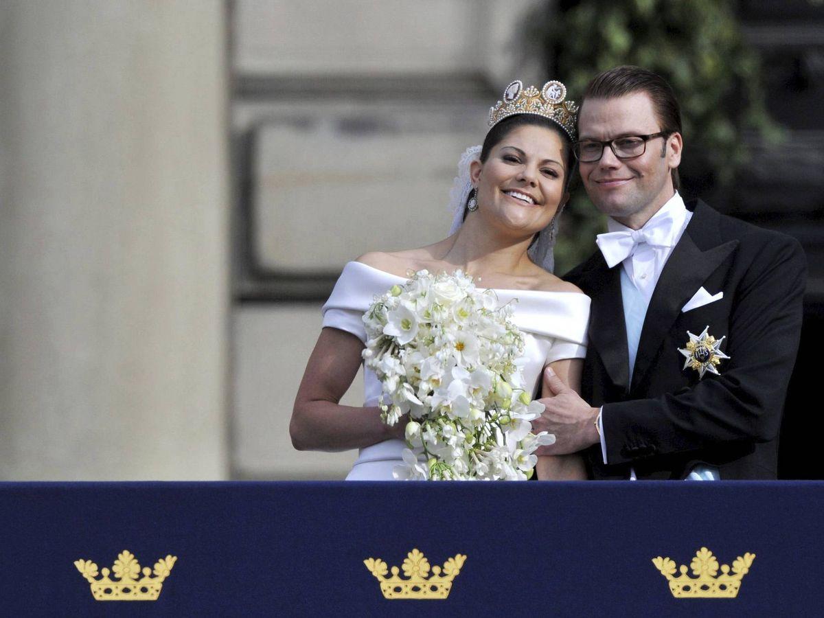 Foto: Victoria y Daniel de Suecia, el día de su boda. (EFE)