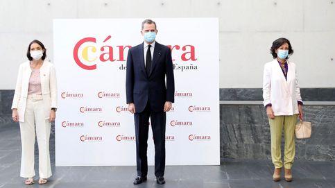 El Rey incide en la importancia de hacer compatible la sanidad con la economía