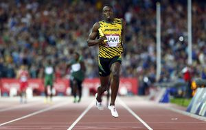 Bolt vuelve a escena y se exhibe en los Juegos de la Commonwealth