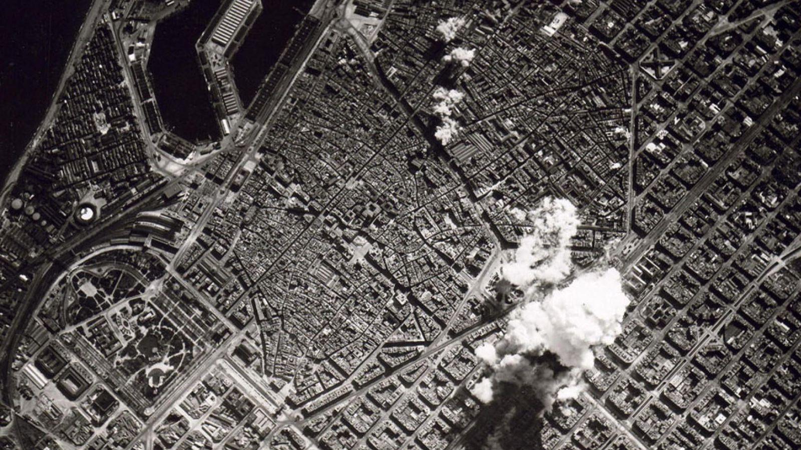Foto: Bombardeo italiano sobre Barcelona durante la Guerra Civil.