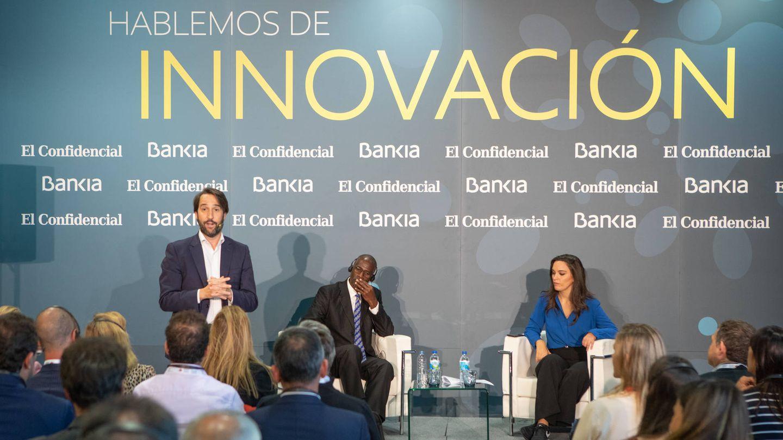 Pablo Gómez Fernández de Quintanilla,  director del Observatorio e Innovation Lab de Bankia; Ian Williamson, decano de la Victoria Business School de Wellington, y Marta García Aller.