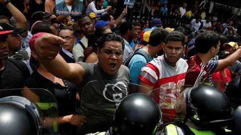 Las fuerzas venezolanas lanzan gas para impedir la marcha de la oposición