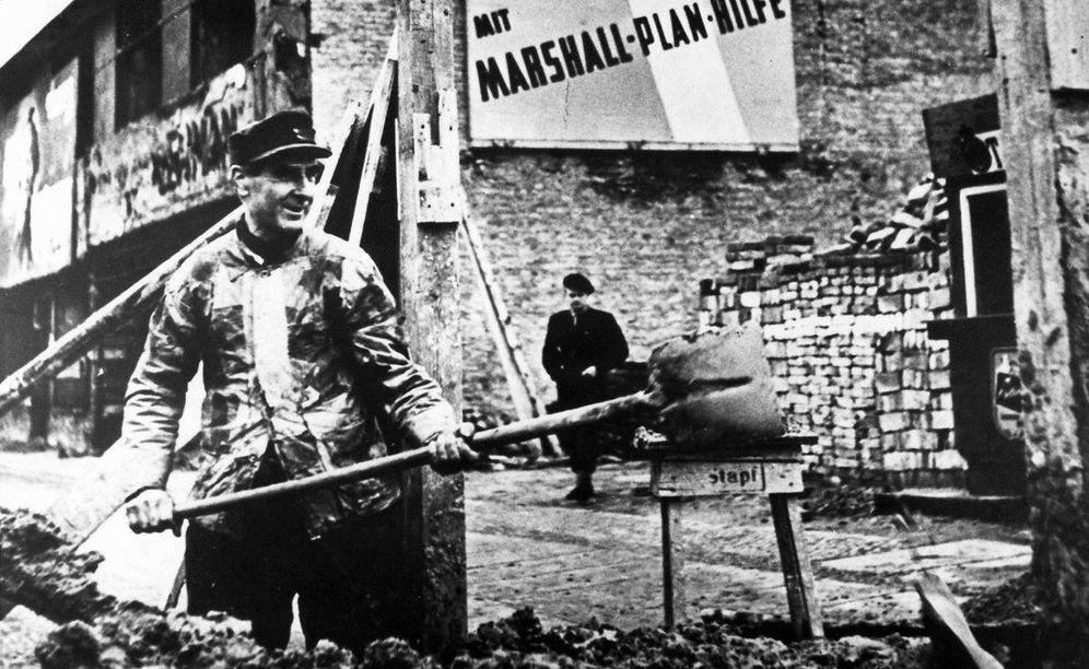 Foto: Trabajos de reconstrucción en Berlín durante la postguerra financiados con el plan Marshall