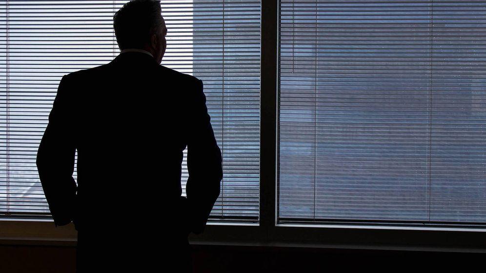 Foto: Un ejecutivo, en un bloque de oficinas. (Pixabay)