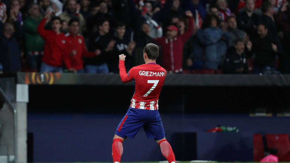 Foto: Antoine Griezmann celebra la clasificación del Atlético de Madrid para la final de la Europa League. (Reuters)