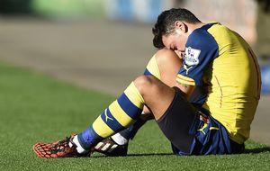 Özil tiene roto el ligamento externo de la rodilla y estará 3 meses de baja