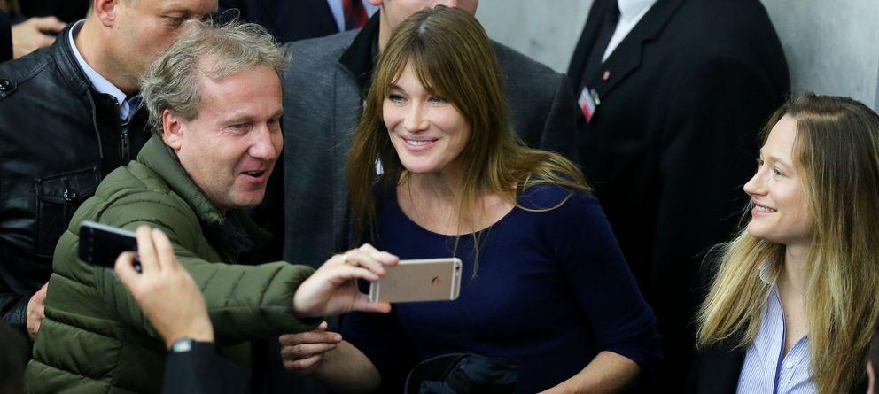 Foto: Carla Bruni, este martes en un mitin de Nicolas Sarkozy (Gtres)