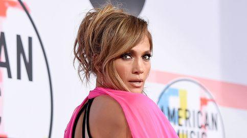Jennifer Lopez muestra en Instagram su culo a los 51 años y... su entrenador nos cuenta 3 ejercicios para conseguirlo en casa