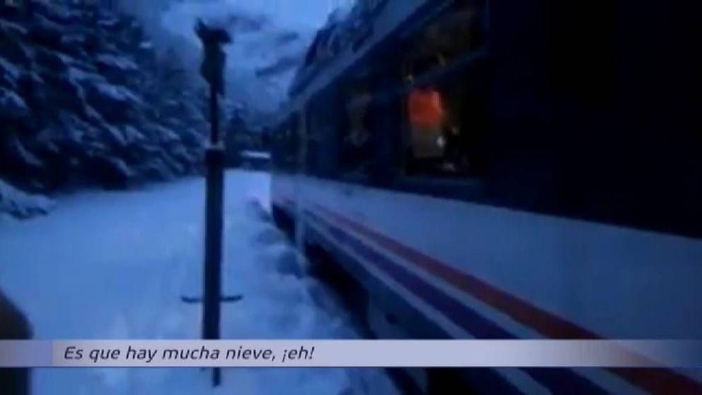 58 pasajeros evacuados de un tren encallado por la nieve en Canfranc