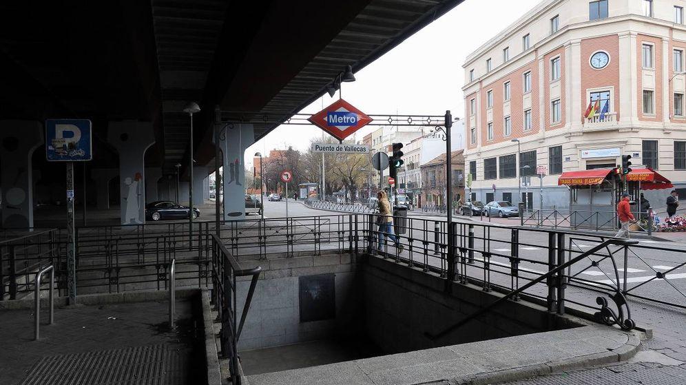 Foto: Una de las bocas de Metro de Puente de Vallecas (Malopez21-CC)