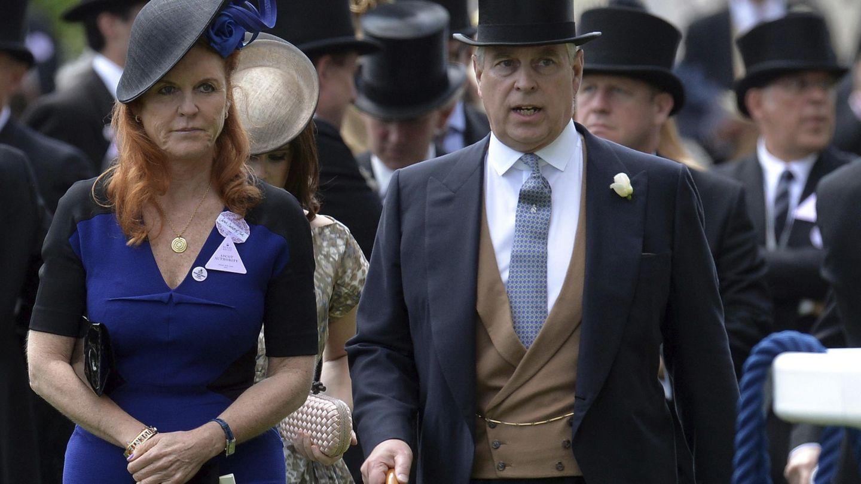 Sarah Ferguson y el príncipe Andrés, en Ascot. (EFE)