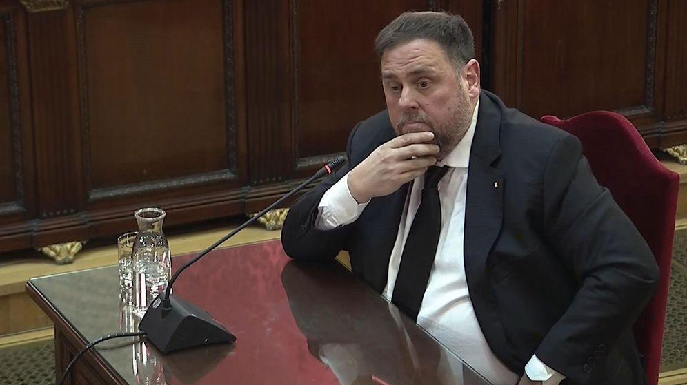 Foto: Imagen tomada de la señal institucional del Tribunal Supremo de la declaración del exvicepresidente de la Generalitat y principal acusado, Oriol Junqueras. (EFE)