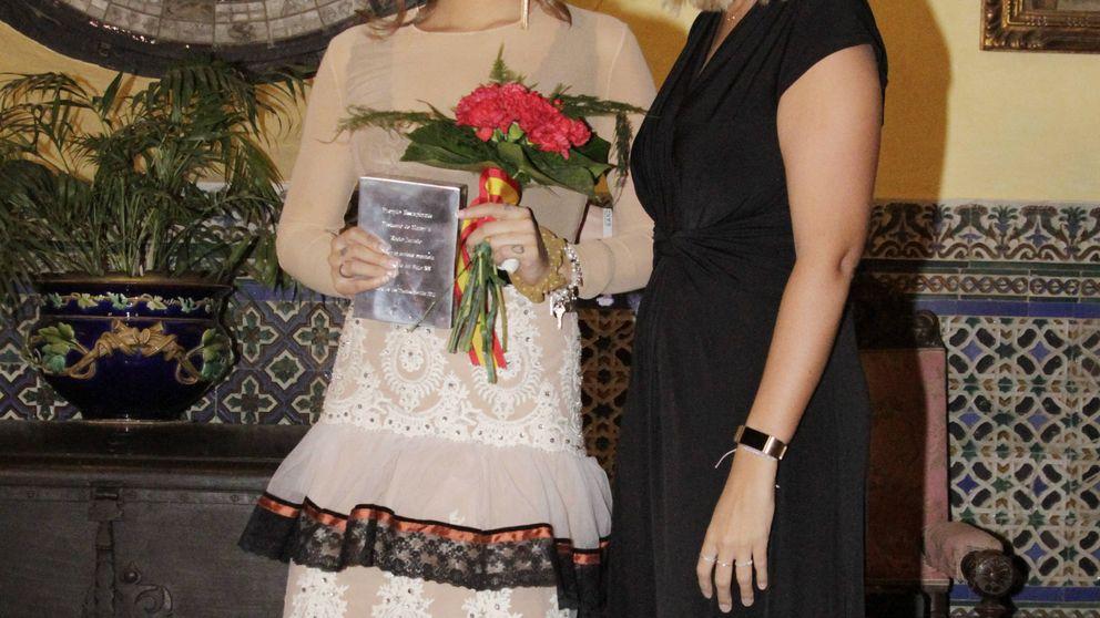 Aparece el premio en honor a Rocío Jurado que le robaron a Gloria Camila