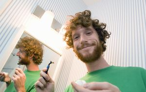Se hace así: esta es la forma adecuada de afeitarte la barba
