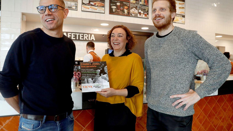 Marc Siscart (i), consejero delegado de Viena, Cristina Maragall, portavoz de la Fundación Pasqual Maragall, y Sergi Figueres, director general de Worldcoo. (EFE)