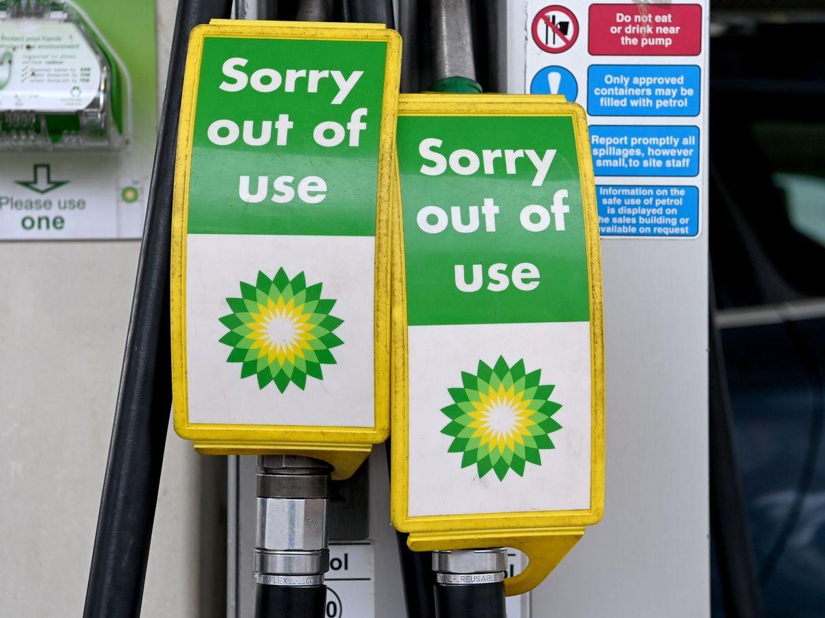 Foto: Una gasolinera en Londres con desabastecimiento por la falta de camioneros (EFE)