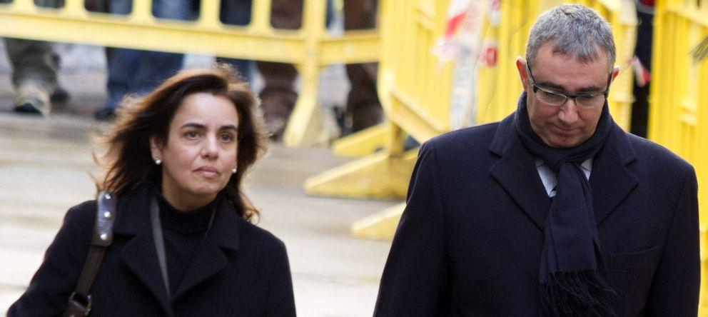 Foto: El exsocio de Iñaki Urdangarin en el Instituto Nóos, Diego Torres Peréz, y su esposa. (EFE)